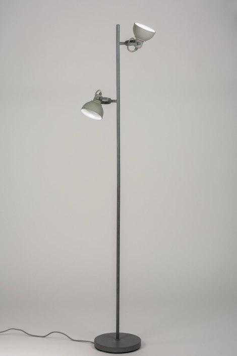 staande lamp 11073 landelijk rustiek industrie look stoere lampen. Black Bedroom Furniture Sets. Home Design Ideas