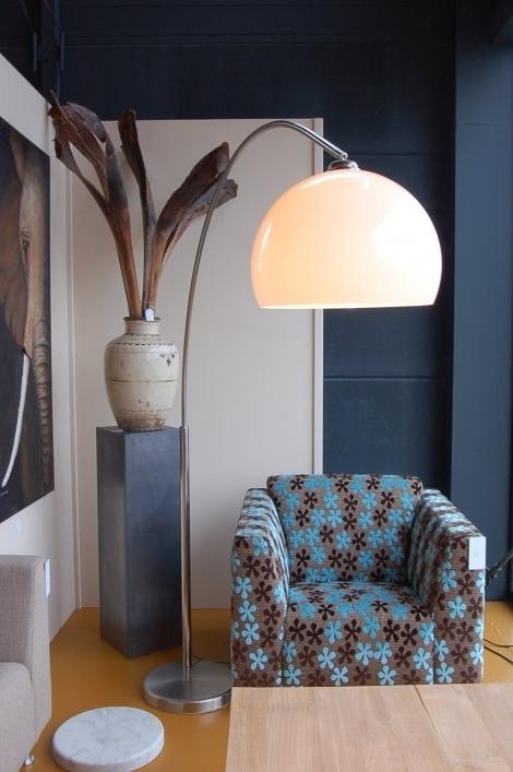 rietveld licht verkoopt verlichting in de breedste zin van het woord van wandlampen tot inbouwspots tot buitenverlichting het aanbod is bijzonder ruim en