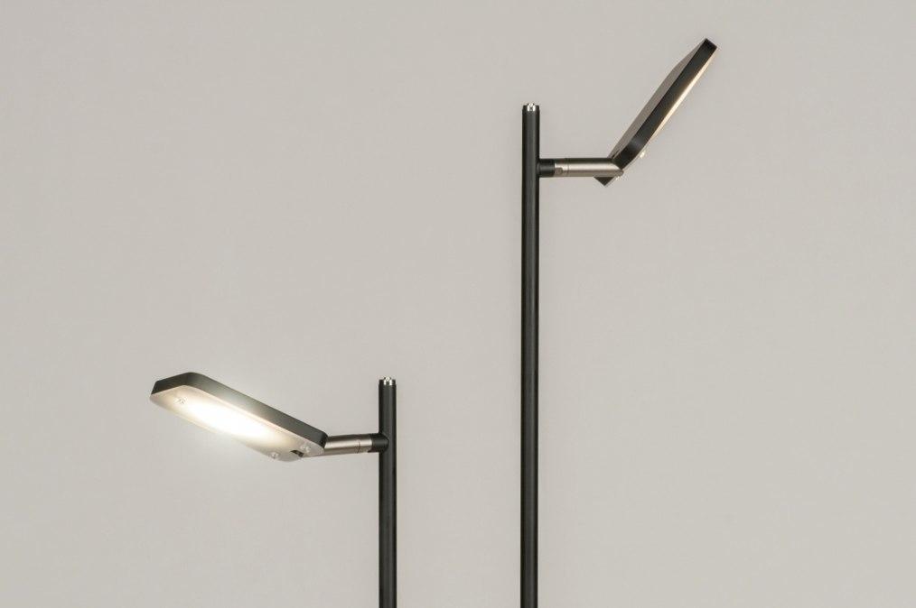 Staande lamp modern design zwart mat