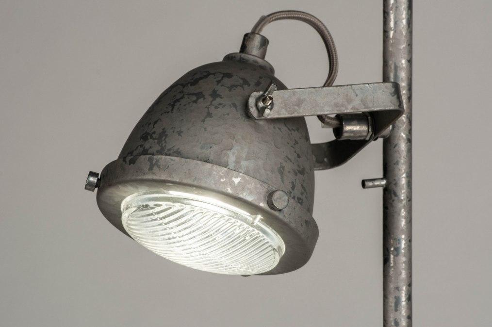 Staande lamp industrie look landelijk rustiek stoere lampen