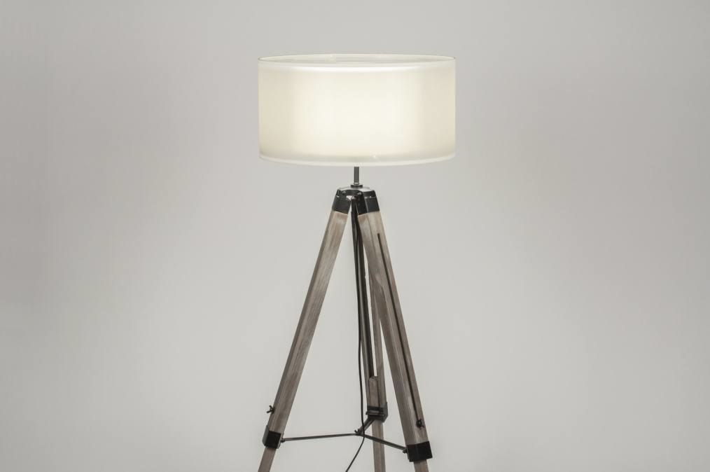 Staande lamp landelijk rustiek modern stoere lampen hout
