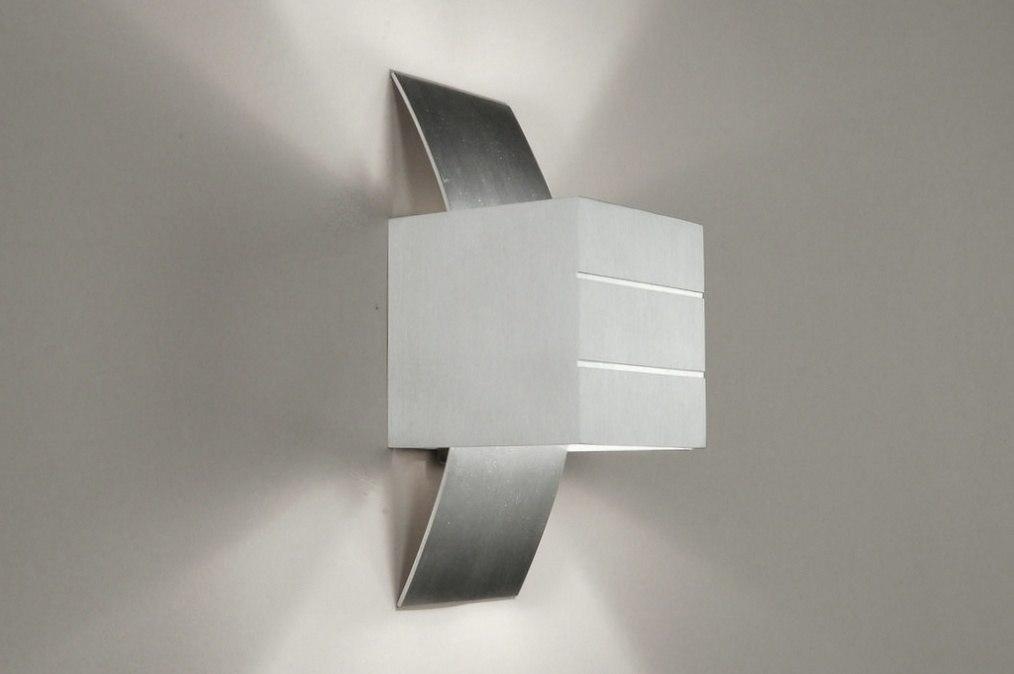Design Wandlamp Slaapkamer : Wandlamp modern design geschuurd aluminium metaal