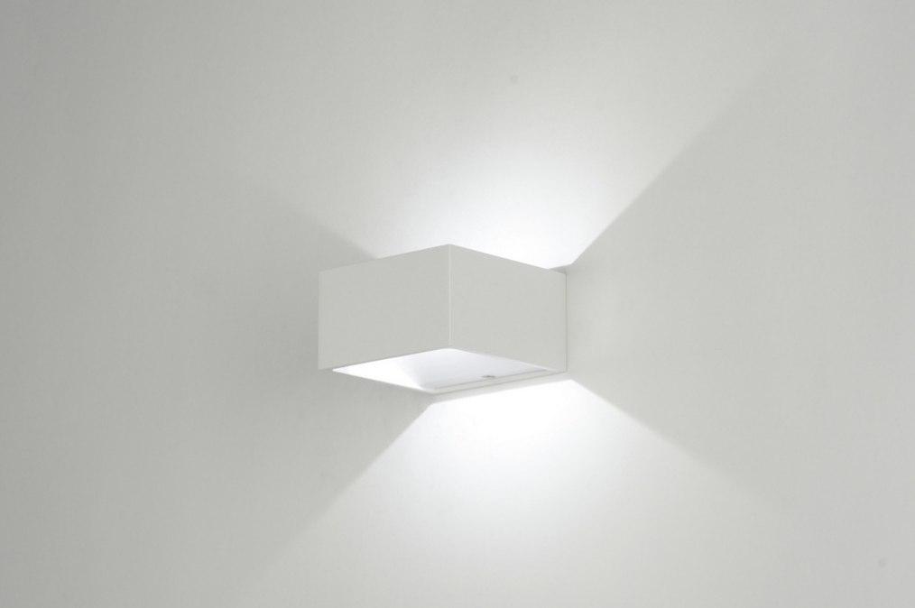 Badkamer Design Wandlamp : Wandlamp modern design wit aluminium