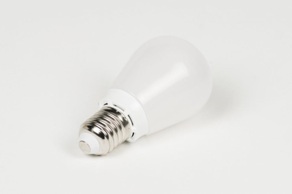 Light bulb 979: plastic #0