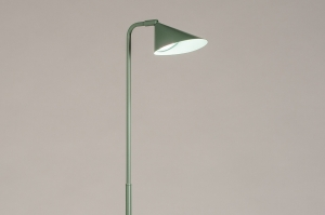 Stehleuchte 14133 Design modern coole Lampen grob Metall Gruen laenglich
